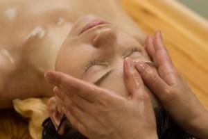 manuelle Lymphdrainage gegen Akne